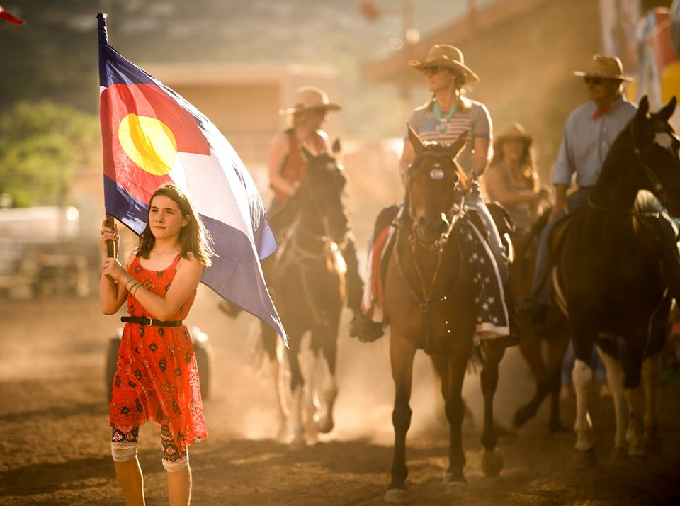 colorado-flag-horses